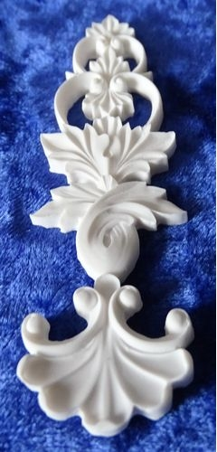 white resin moulding no. 6 large